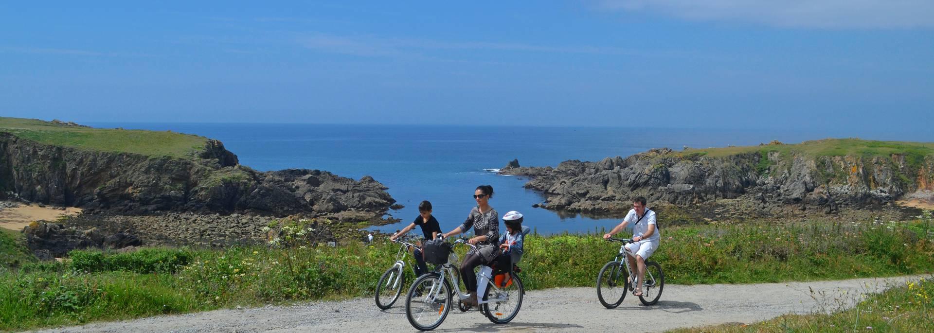 Bike ride in on teh rocky coast Ile d'Yeu