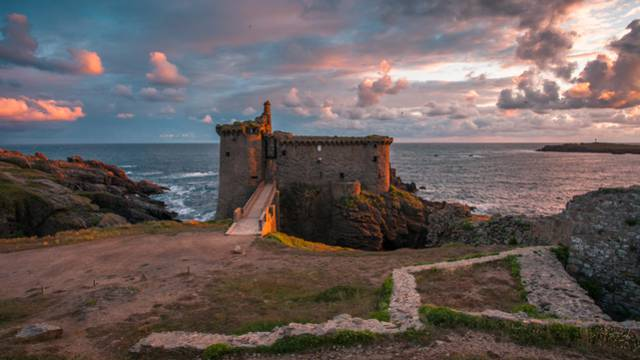 Immerse yourself in the history of L'île d'Yeu
