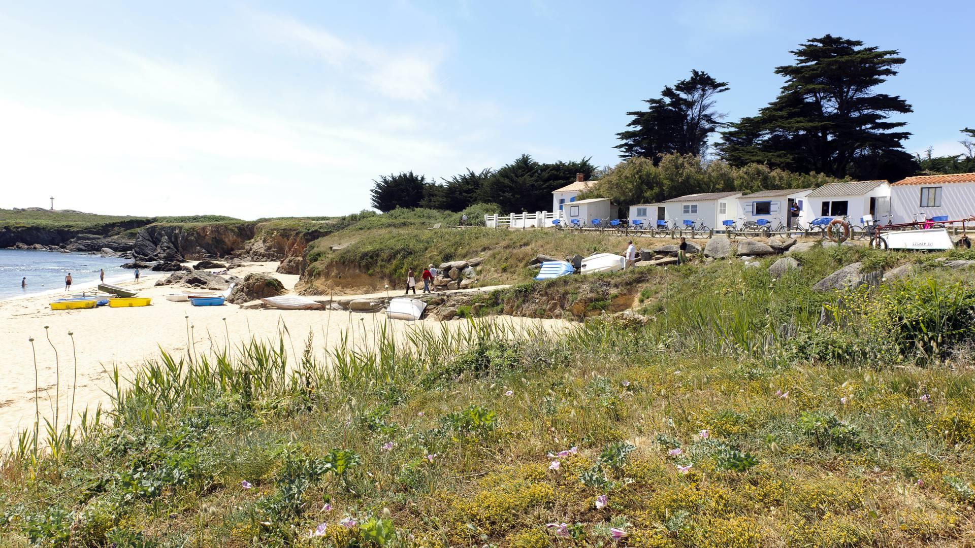 Les Sabias beach, beach huts, Ile d'Yeu