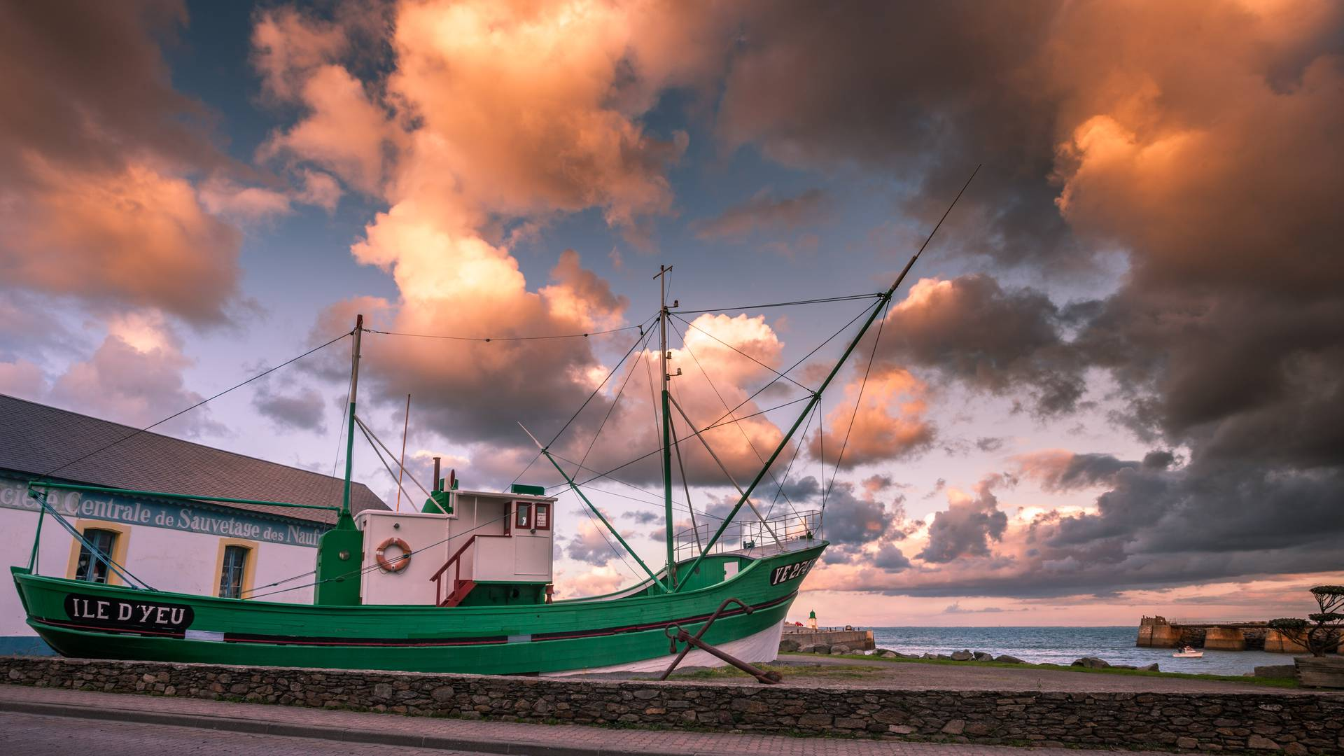 The Corsaire, tuna boat, Ile d'Yeu