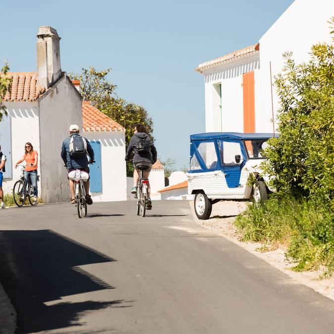 Bike ride through the streets of La Meule, Ile d'Yeu